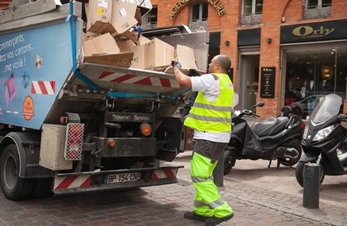 camion collecte de carton